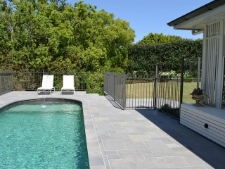 paving-Landscaping-poolside-consultation