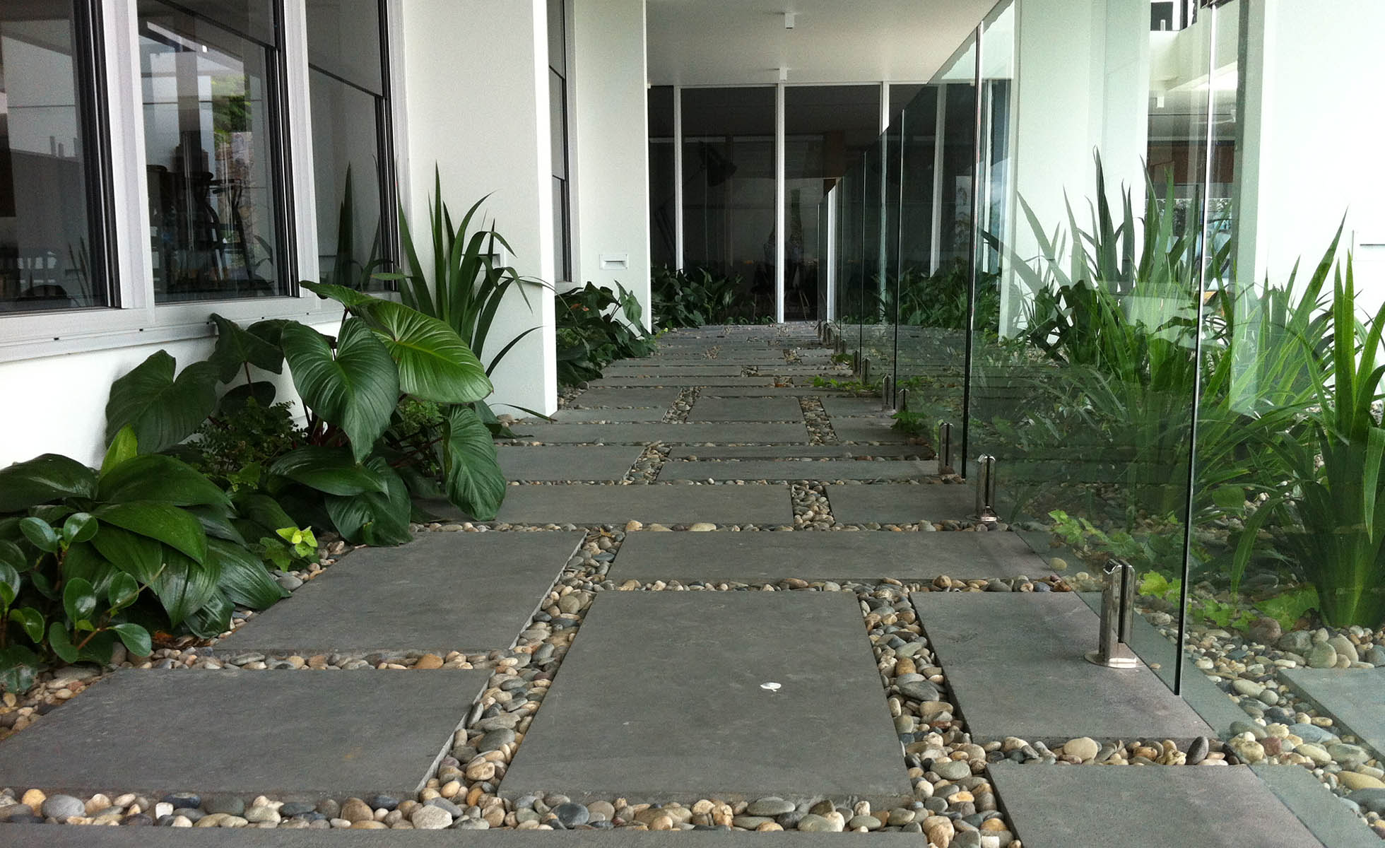 pavers-garden-design-walkway